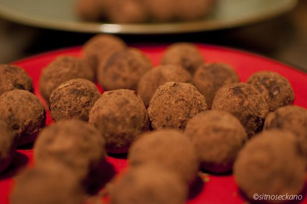raw date truffles