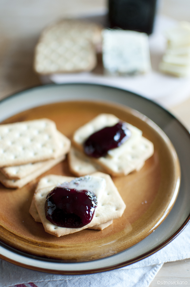 wine jelly with cheese