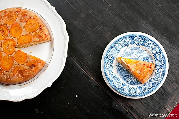 apricot sour cream cake