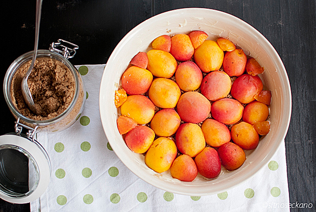 upside-down apricot cake