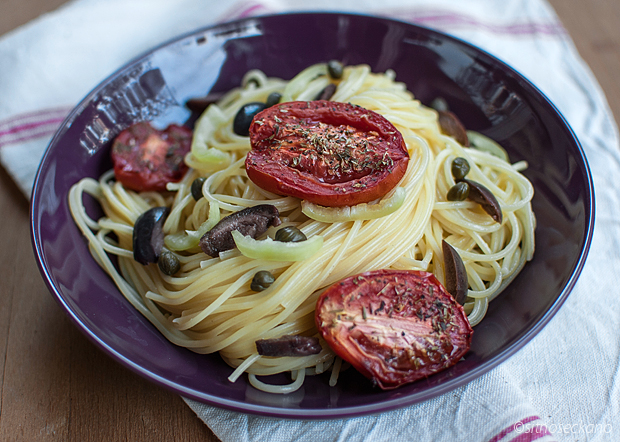 spagetti with tomatoes-13