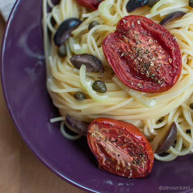 spagetti with tomatoes-15
