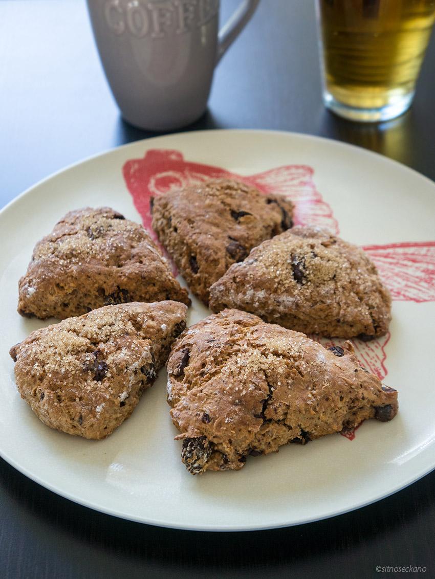 Raisin chocolate scones-5