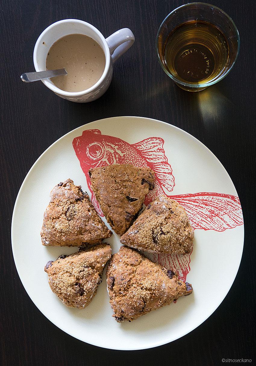 Raisin chocolate scones-7