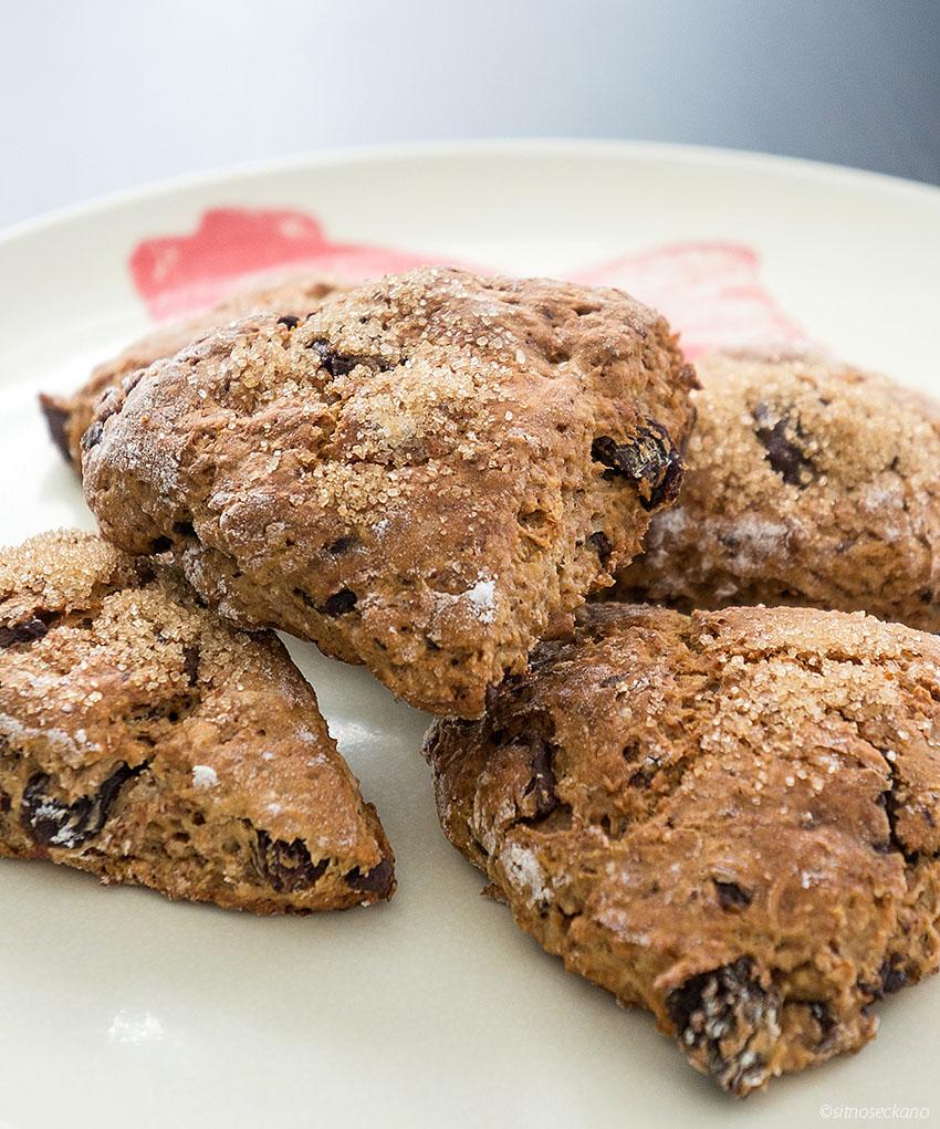 Raisin chocolate scones