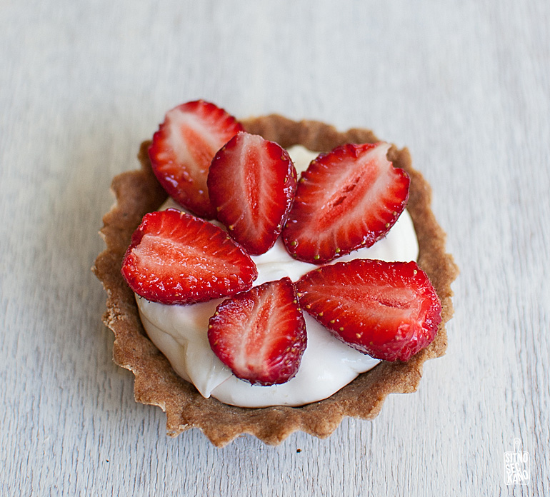strawberry mascarpone tarts-2