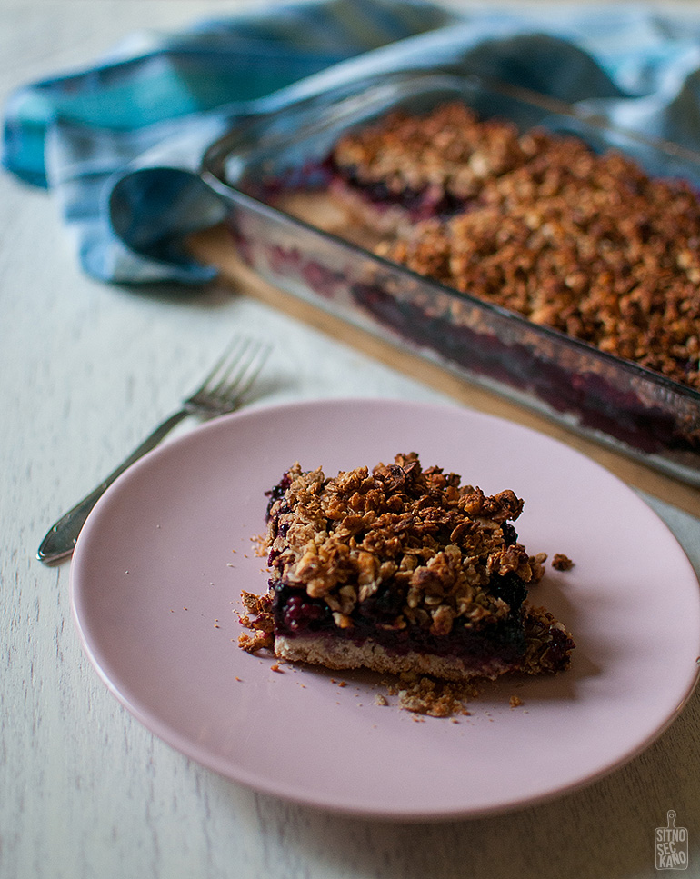 Blackberry cocoa butter crumble | Sitno seckano