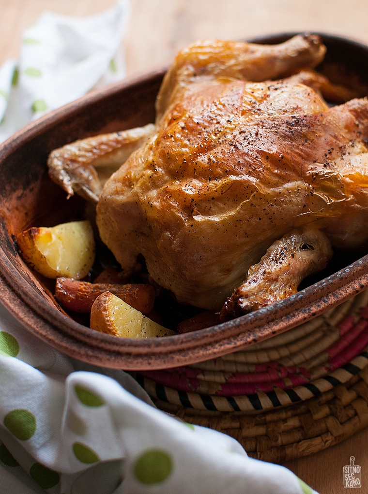 Clay pot roasted chicken and vegetables | Sitno seckano