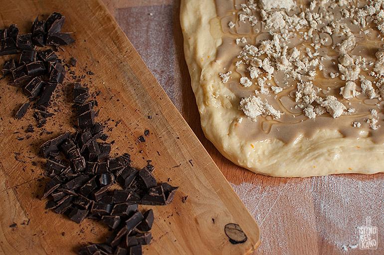 Tahini halva chocolate bread | Sitno seckano