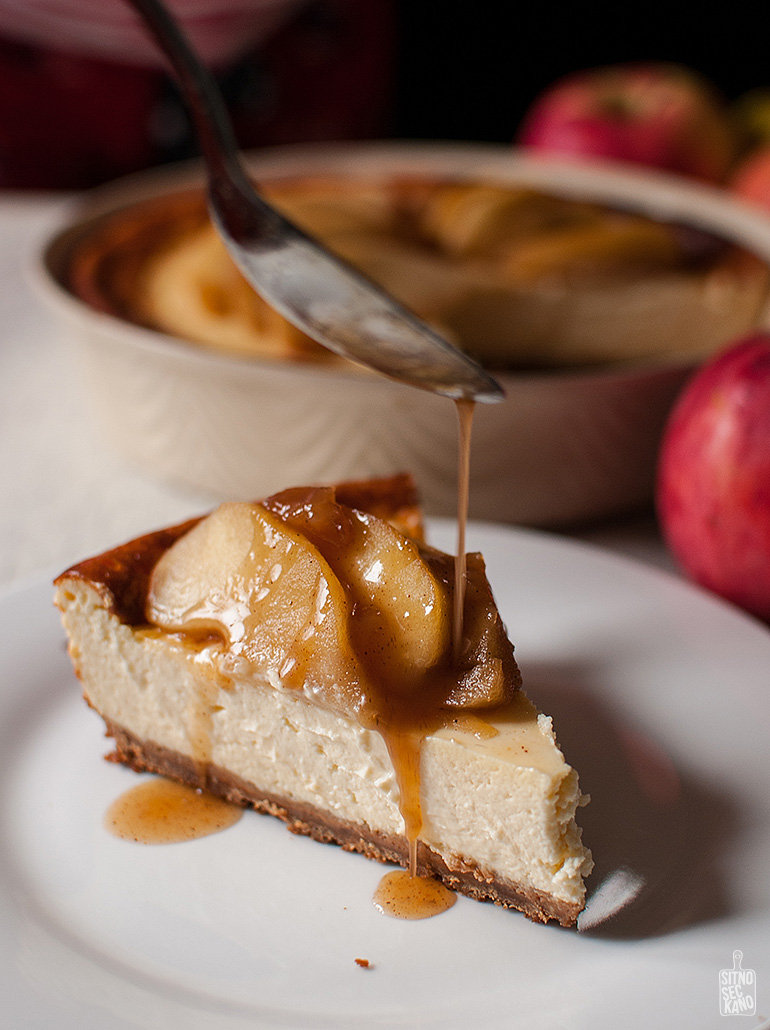Cheesecake with sauteed apples | Sitno seckano