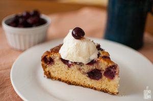 Easy cherry cake and creamy lemon ice cream | Sitno seckano
