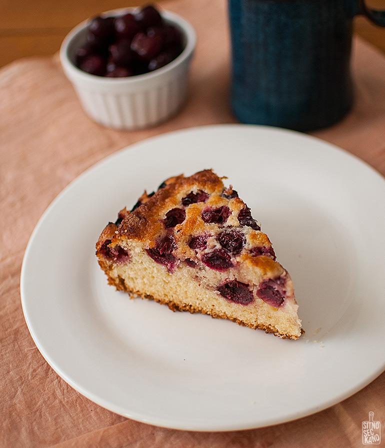 Easy cherry cake and creamy lemon ice cream   Sitno seckano