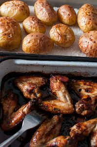 Sticky five-spice powder chicken wings and salt-roasted potatoes | Sitno seckano