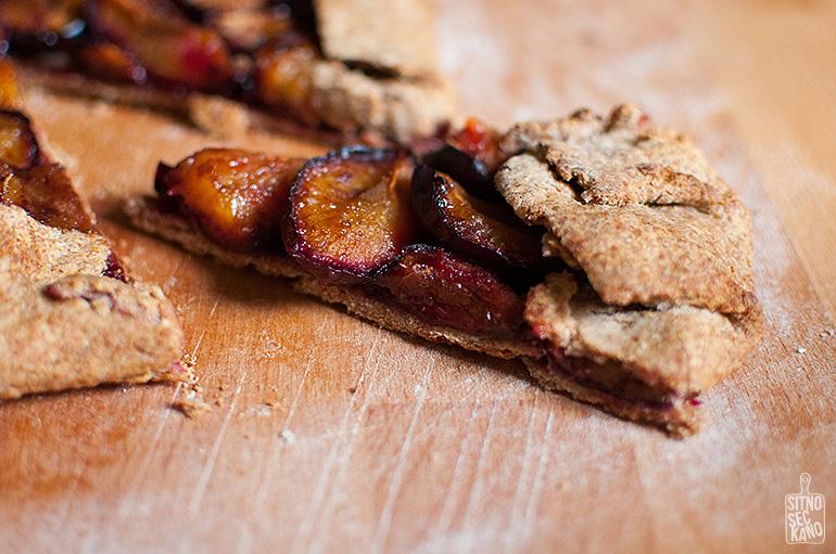Rye plum galette | Sitno seckano