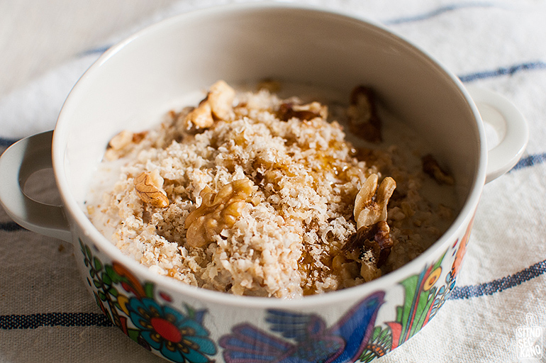 Oatmeal with honey and walnuts | Sitno seckano