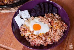 Spicy eggs and quinoa bake   Sitno seckano