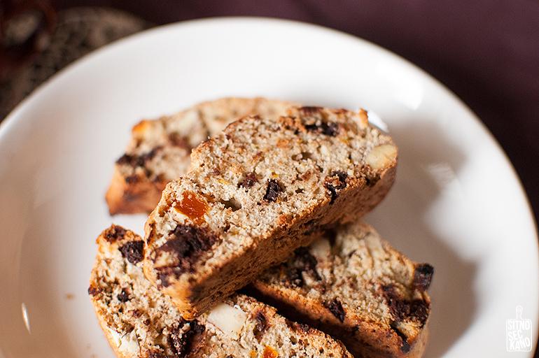 Vegan Aquafaba biscotti | Sitno seckano